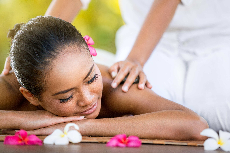 natural medicine treats the whole body